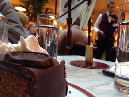 Cafe Sacher: Nice stuff and cute ambient