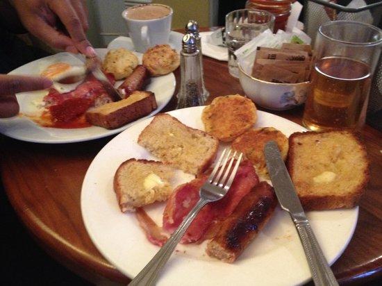 Queen of Tarts: Hearty breakfast