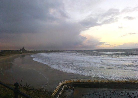 Long Sands Beach: Tynemouth beach in January