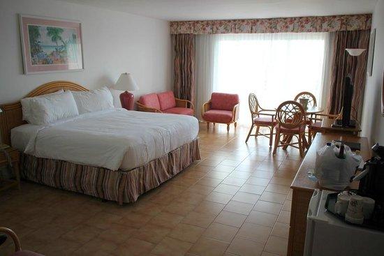 Sonesta Maho Beach Resort, Casino & Spa : Ocean Terrace room