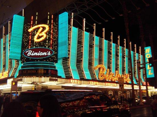 Binion's Gambling Hall : <3 old Vegas