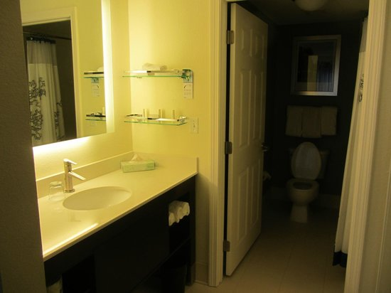 Residence Inn Boston Framingham: One of two baths