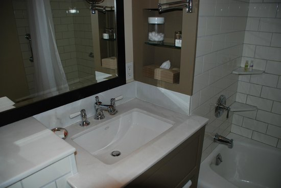 Woodstock Inn and Resort: Beautiful bathroom