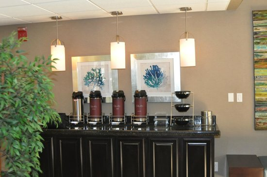 BEST WESTERN PLUS Tallahassee North Hotel: We will have freshly made coffee waiting for you upon your arrival
