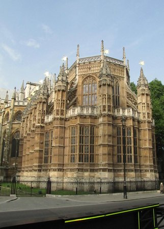 Parliament Square: Vista del lado del abside de la Abadia de Westminster