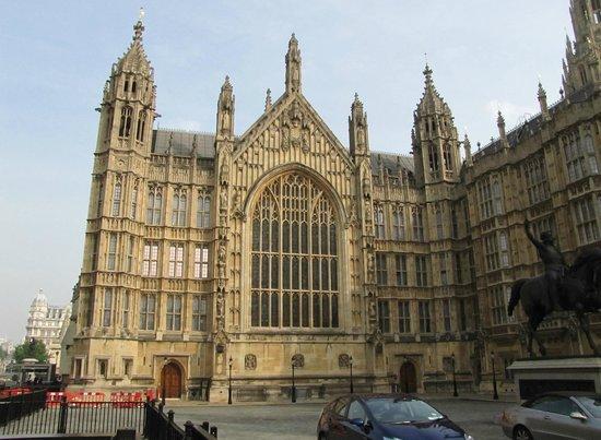 Parliament Square: Parte del magnifico edificio del Parlamento