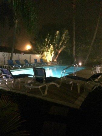 Queen's Gate Resort: pool