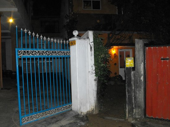 Colombo Sea View Hostel : Gate to Sea View Hostel
