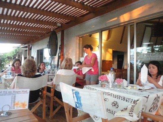 Hotel Rapa Nui: desayuno, comedor