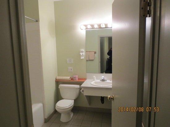 Big Horn Motel: bathroom