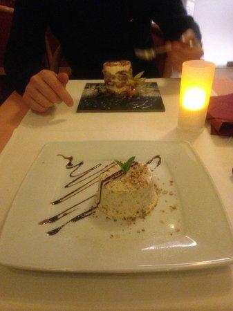 La Mia Cucina : Délicieux desserts : pour monsieur, un tiramisu comme rarement réussi et pour madame, un parfait