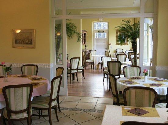 Hotel Chateau de Pourtales: Frühstücksraum
