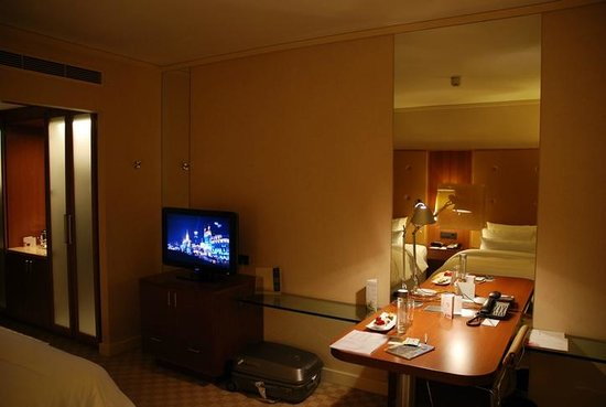 The Westin Warsaw: Standard room p1