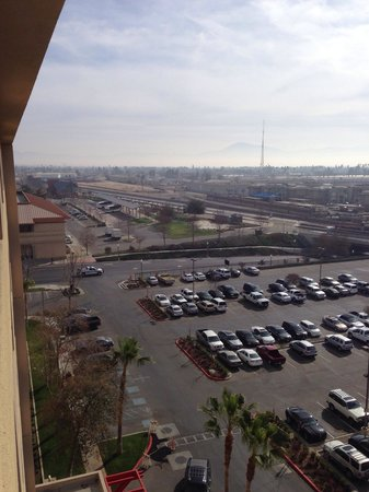 Bakersfield Marriott at the Convention Center : The Bakersfield Beale Library and Amtrak Station Can Be Seen From Room 933