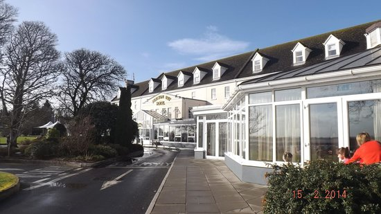 Hodson Bay Hotel : At another angle.