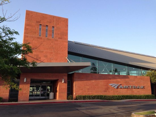 Bakersfield Marriott at the Convention Center: The Bakersfield Marriott Is Simply Perfect For Amtrak Riders Like Myself. This Hotel Is Next Doo