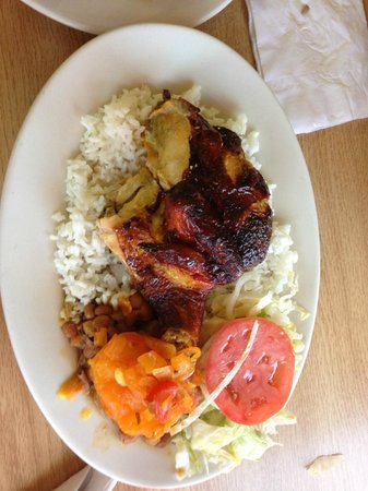 Pollos Pucalor : rotisserie chicken
