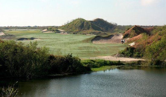 Streamsong Golf Clubhouse: 1st tee, Red...~460 par 4, uphill