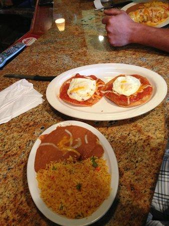 DOS Amigos Restaurant: huevos rancheros