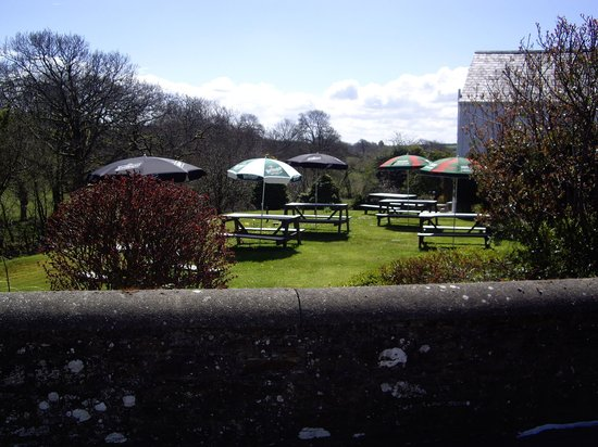New Inn Pentregat: large pub garden