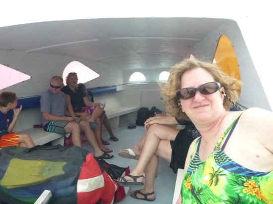 Coral Breeze Tours: Our boat