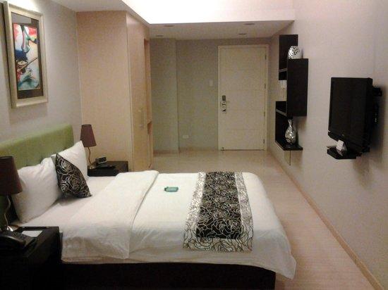 The Exchange Regency Residence Hotel : room