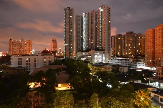 Chatrium Residence Sathon Bangkok: View from our window