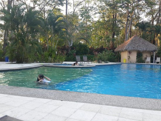 DoceLunas Hotel, Restaurant & Spa: Paseo de verano