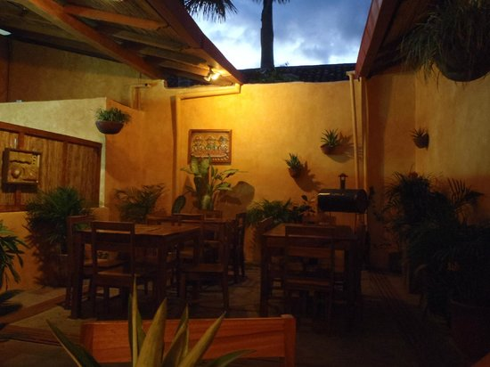 El Kapuyo: Interior of Restaurant