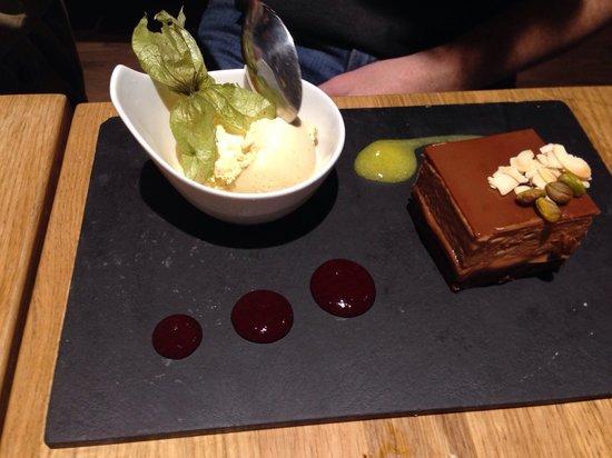 La Azotea : Torta de chocolate....maravilhosa!!!
