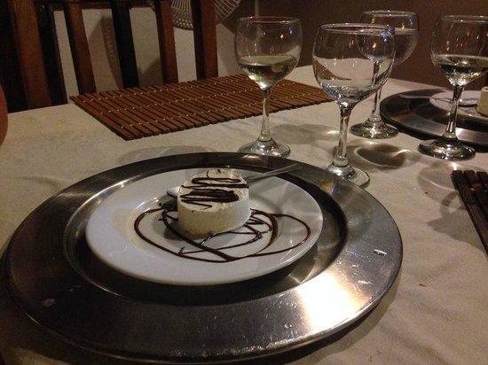 Posada Movida : Helado casero de coco