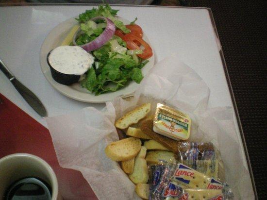 Beechwood Restaurant & Lounge: salad