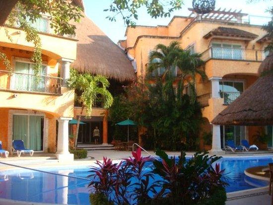Eurostars Hacienda Vista Real: View from pool looking back at hotel.