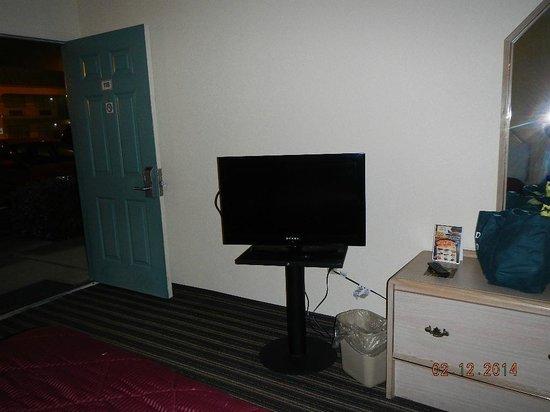 Econo Lodge : TV