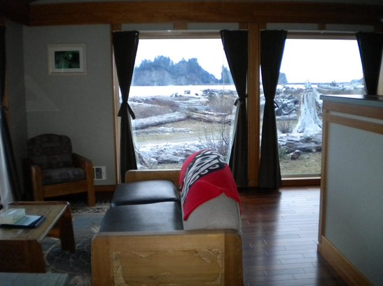 Quileute Oceanside Resort: Living room