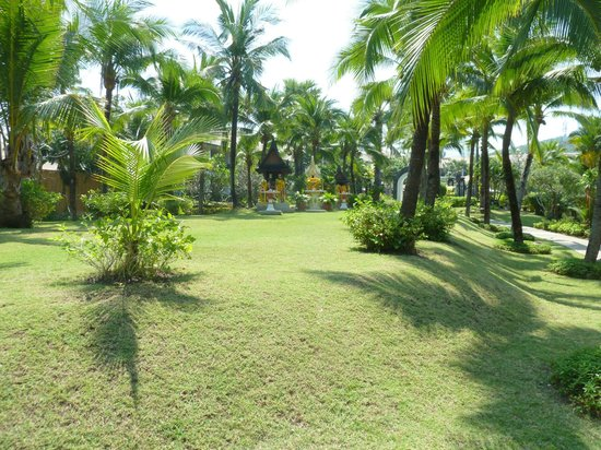 Bandara Resort & Spa: Hotel Grounds