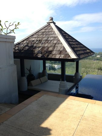 The Pavilions Phuket : Separate canopy with a ceiling fan