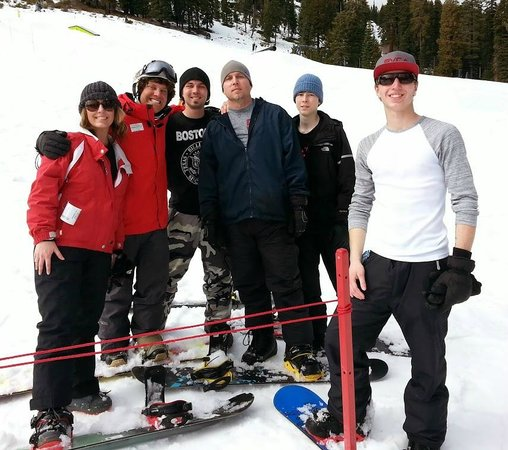 Sierra at Tahoe: The family with Martin (2nd from left)