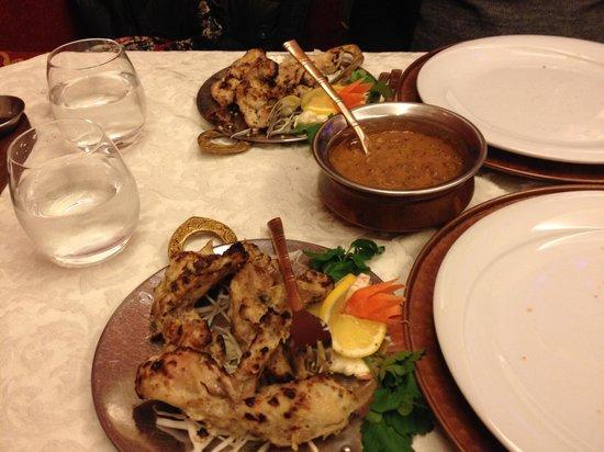 Haveli Indian Restaurant: cosce di pollo tandoori in salsa delicata e lenticchie dal haveli
