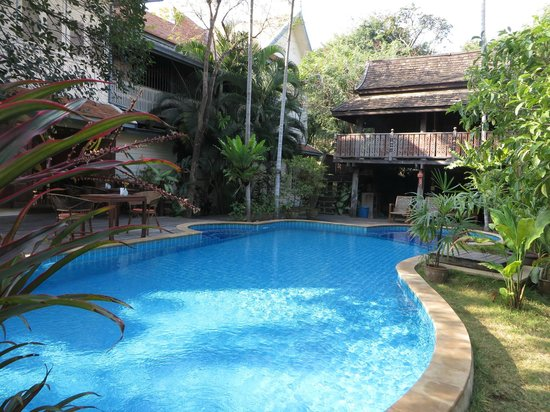 Baan Orapin Bed and Breakfast : Pool