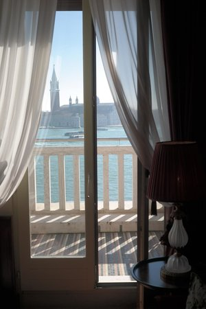 Hotel Danieli, A Luxury Collection Hotel: view from the sitting room