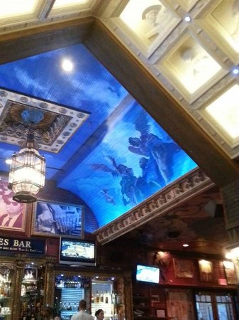 House of Blues Restaurant & Bar: ceiling