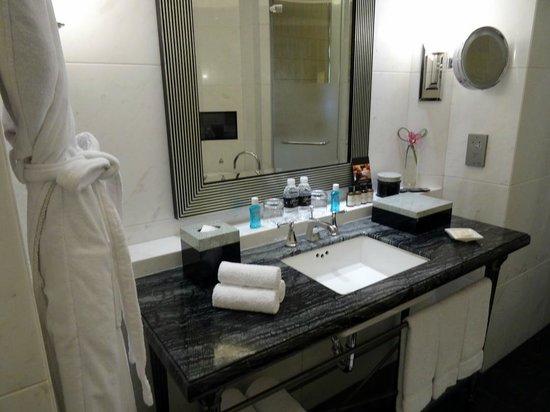 Fairmont Peace Hotel: gold suite