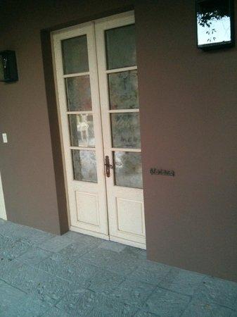 Hotel Nena : Puerta de la habitación