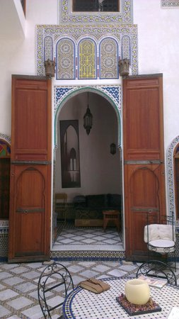 dar gnaoua: One of the beautiful rooms inside the dar
