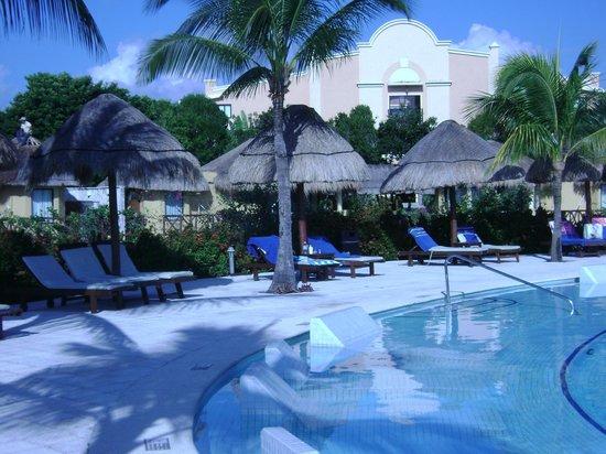 Grand Palladium White Sand Resort & Spa: Adult Pool