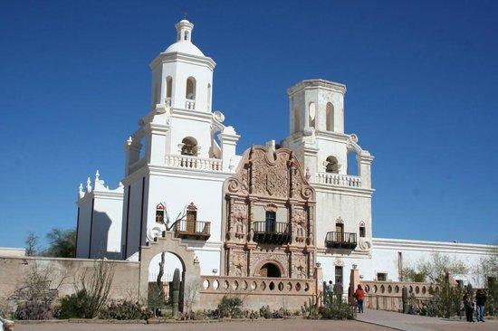 Mission San Xavier del Bac: Stunning mission