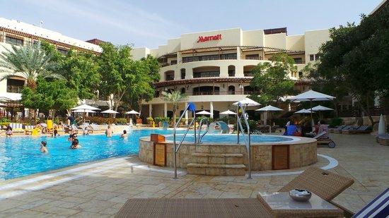 Jordan Valley Marriott Resort & Spa: pool area in the front of main restaurant