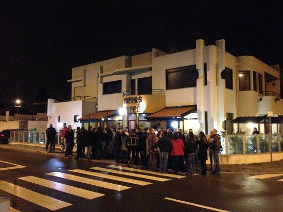 Photo of Modern European Restaurant Tappas Caffe - Madalena at Rua 25 De Abril 95, Vila Nova de Gaia 4405-796, Portugal