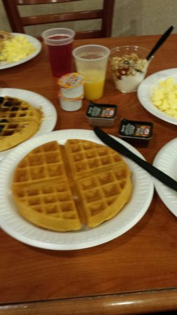 Country Inn & Suites by Radisson, Harrisburg West, PA : Breakfast.  Wonderful Waffle maker
